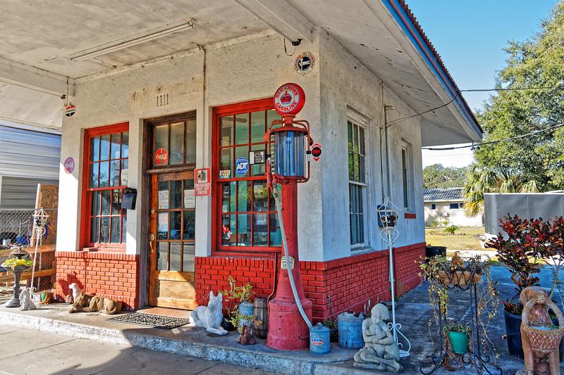 Daniel's Standard Oil Service Station