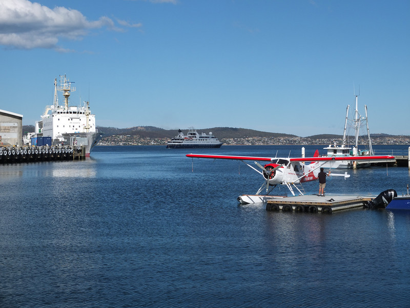 Hobart_docks_Orion outward bound