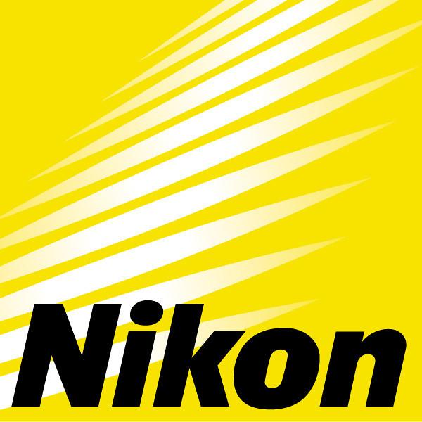 Nikon :<br /> <br /> ED : Objectifs à lentilles en verre ED et Super ED (garantissent un faible indice de réfraction et une dispersion minimale)<br /> SIC et N : Traitement anti-reflet appliqué sur les lentilles<br /> CRC : Système de correction pour mise au point rapprochée<br /> ASP  : Lentilles asphériques permettant de limiter les aberrations chromatiques<br /> IF : Mise au point interne (garantit une longueur d'objectif constante tout en limitant les mouvements internes du barillet, ce qui facilite l'utilisation de filtre polarisants circulaires et d'accessoires de flash)<br /> RF : Rear Focusing (Mise au point arrière)<br /> SWM : Silent Wave Motor (objectif muni d'un moteur autofocus rapide et silencieux)<br /> VR et VR II: Vibration Reduction (système de stabilisation d'image)<br /> DX : Dédié aux reflex numériques<br /> AF-I : AutoFocus Internal motor (AF interne donc la mise au point se fait à l'intérieur du fût)<br /> AF-S : AutoFocus Silencieux (concerne les zooms)<br /> D : Distance (objectif à microprocesseur transmettant au boitier la distance de MAP)<br /> G : Objectif dépourvu de la bague de diaphragme permettant une ouverture variable<br /> MC : Macro (pour la photographie rapprochée, pas de rapport 1:1)<br /> AM : Apochromatic Macro<br /> MICRO : Objectif optimisé pour les gros plans et la macro (rapport 1:1)