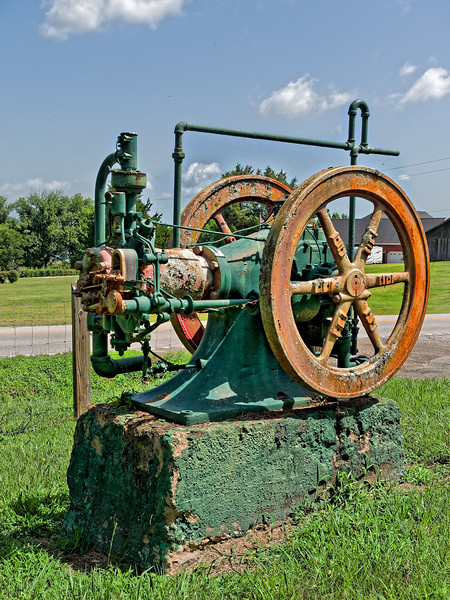 Old Well Pump South Pittsburg, Tennessee