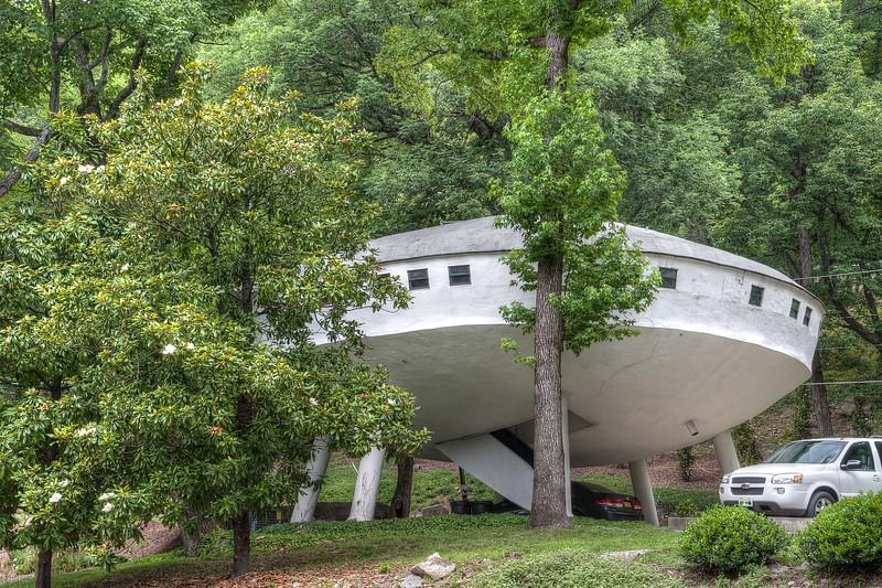 Signal Mountain space ship home
