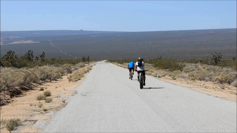 7 Bros, Day 2, part 2<br /> Continuing road adventure on The Mojave Road Trail.