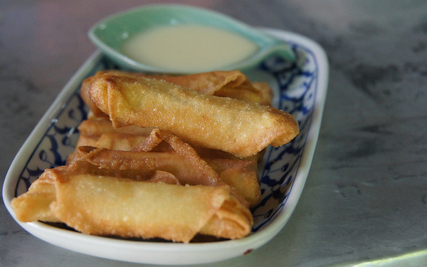 Thai spring rolls with dipping sauce - Thai cooking course, Chiang Mai - Thailand.
