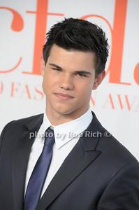 Taylor Lautner  photo by Rob Rich © 2009 robwayne1@aol.com 516-676-3939