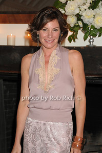 Luann de Lesseps photo by Rob Rich © 2009 robwayne1@aol.com 516-676-3939