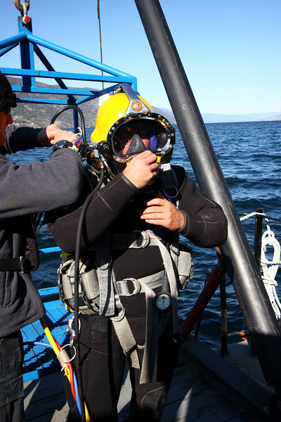 Preparing for a deep decompression dive using the stage