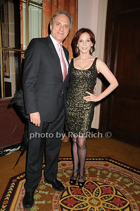Michael Brown, Marilu Henner photo by Rob Rich © 2009 robwayne1@aol.com 516-676-3939