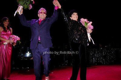 Elizabeth Hurley, Elton John, Liza Minelli photo by Rob Rich © 2009 robwayne1@aol.com 516-676-3939