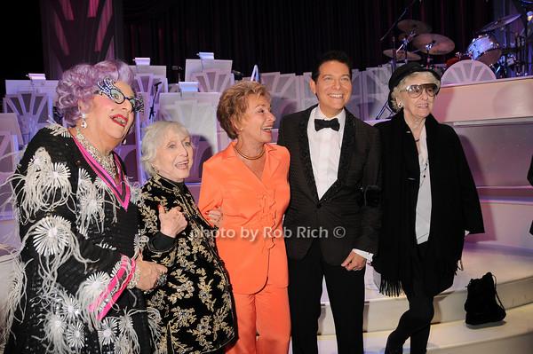 Dame Edna, Celeste Holm, Judge Judy, Michael Feinstein, Elaine Stritch<br /> photo by Rob Rich © 2010 robwayne1@aol.com 516-676-3939