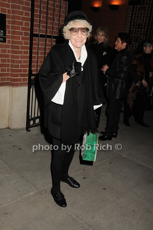 Elaine Stritch<br /> photo by Rob Rich © 2010 robwayne1@aol.com 516-676-3939