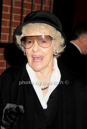 Elaine Stritch<br /> photo by Rob Rich © 2010 robwayne1@aol.com 516-676-3939