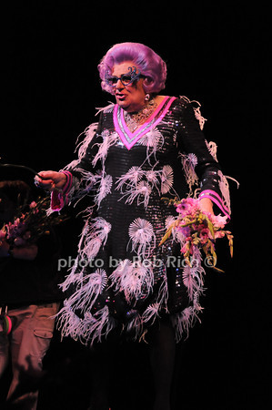Dame Edna<br /> photo by Rob Rich © 2010 robwayne1@aol.com 516-676-3939