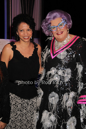 Gloria Reuben, Dame Edna<br /> photo by Rob Rich © 2010 robwayne1@aol.com 516-676-3939