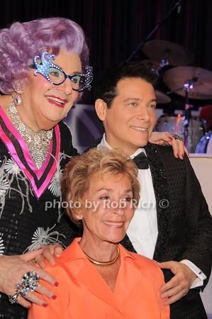 Dame Edna, Judge Judy, Micael Feinstein<br /> photo by Rob Rich © 2010 robwayne1@aol.com 516-676-3939