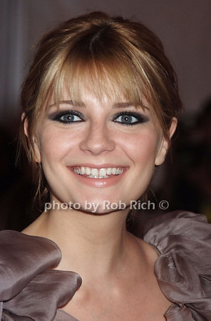 Mischa Barton   photo  by Rob Rich © 2008 robwayne1@aol.com 516-676-3939
