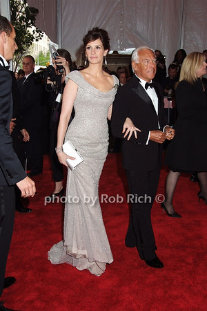 Julia Roberts, Giorgio Armani  photo  by Rob Rich © 2008 robwayne1@aol.com 516-676-3939