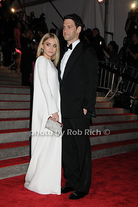 Ashley Olsen, Justin Bartha photo by Rob Rich © 2009 robwayne1@aol.com 516-676-3939