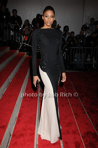 Ciara photo by Rob Rich © 2009 robwayne1@aol.com 516-676-3939