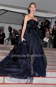 Heidi Klum photo by Rob Rich © 2009 robwayne1@aol.com 516-676-3939