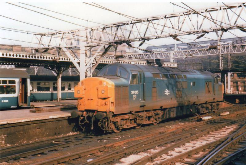 37015 backs onto ECS at Liverpool Street on 01/10/84.