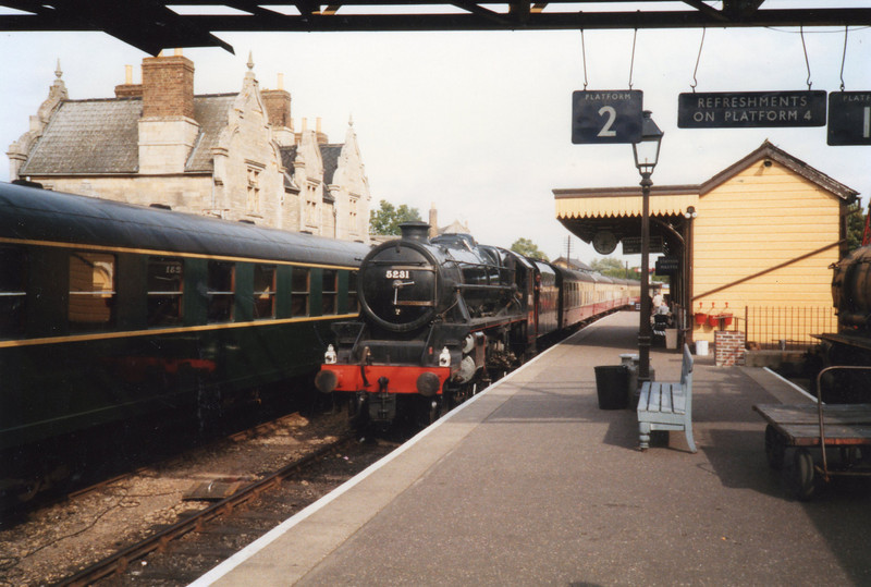 Wansford in Sep 89 - with 5231.