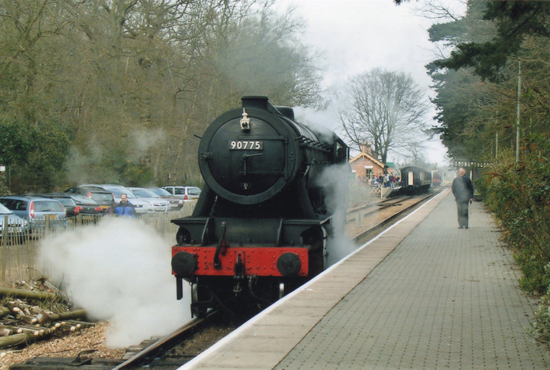 90775 running round her train at Holt in April 09.
