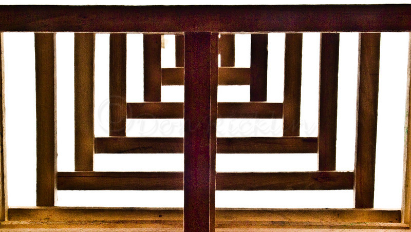 Wood geometry.-Top of a Wooden Sculpture from inside.