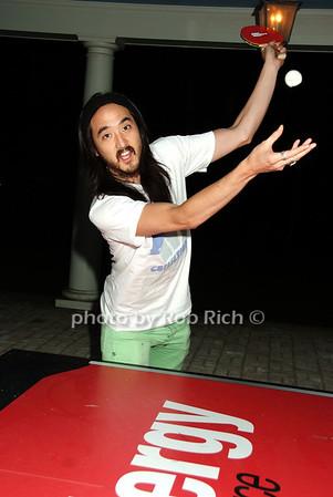 Steve Aoki photo by Rob Rich © 2008 516-676-3939 robwayne1@aol.com