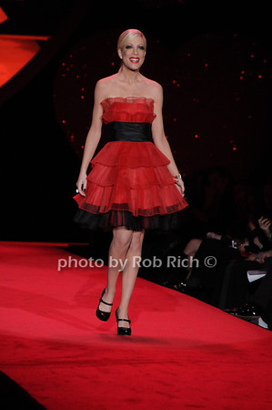 Tori Spelling<br /> photo by Rob Rich © 2009 robwayne1@aol.com 516-676-3939