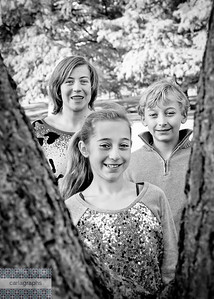 Kids in V of Tree bw (1 of 1)