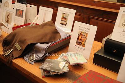 Raffle gifts photo by Rob Rich © 2008 robwayne1@aol.com 516-676-3939