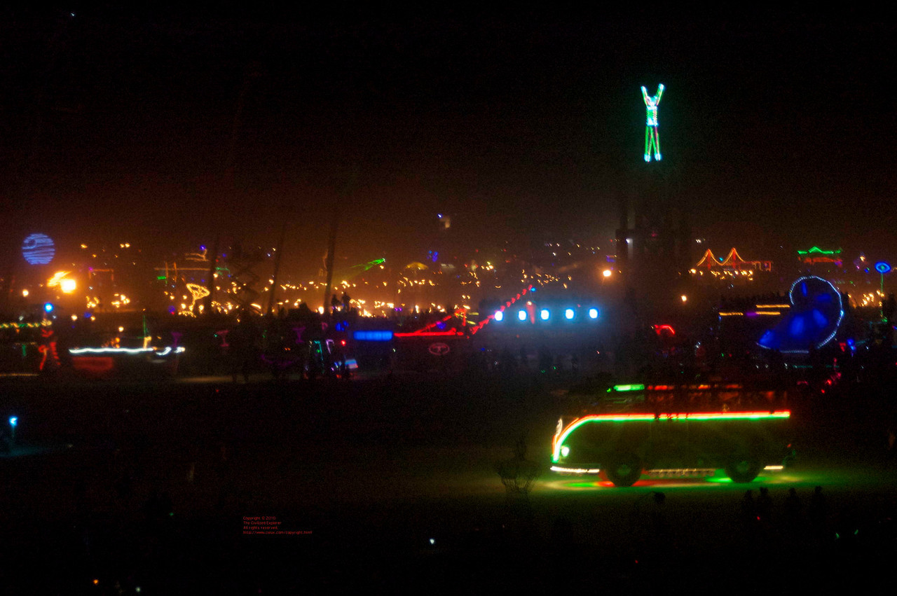 This is a clear view of the Man and the fire spinners (all those dots of flame) before the dust storm started.
