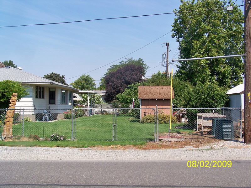 Kuffel's back/side yard