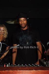 DJ ELY photo by Rob Rich © 2008 robwayne1@aol.com 516-676-3939