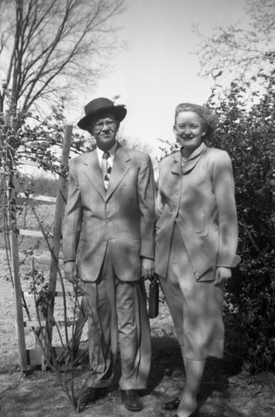 Mom & Dad are shown here in Grandpa & Grandma Collins yard.