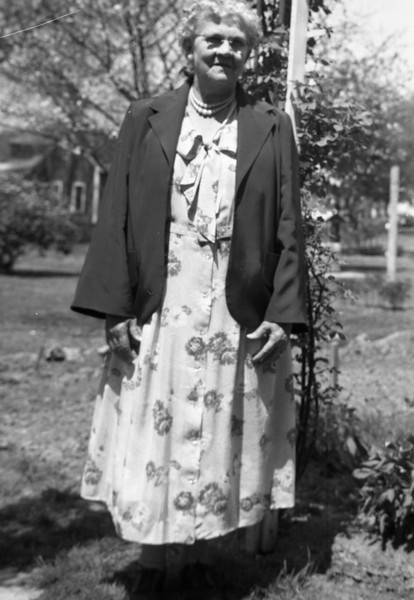 I am not 100% sure, but I think this is Great Grandma Morriss, Grandma Collins' step-mother.
