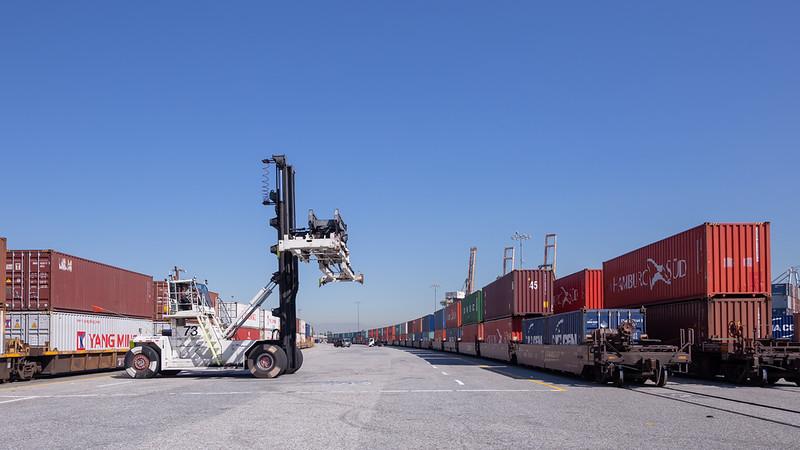 160225-rail-loader-139