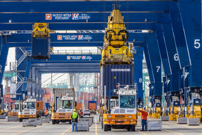 160217-truck-crane-dock-021