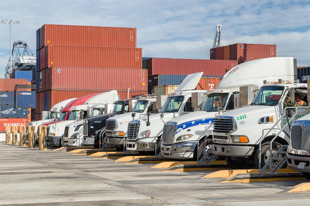 160217-YTI-trucks-005