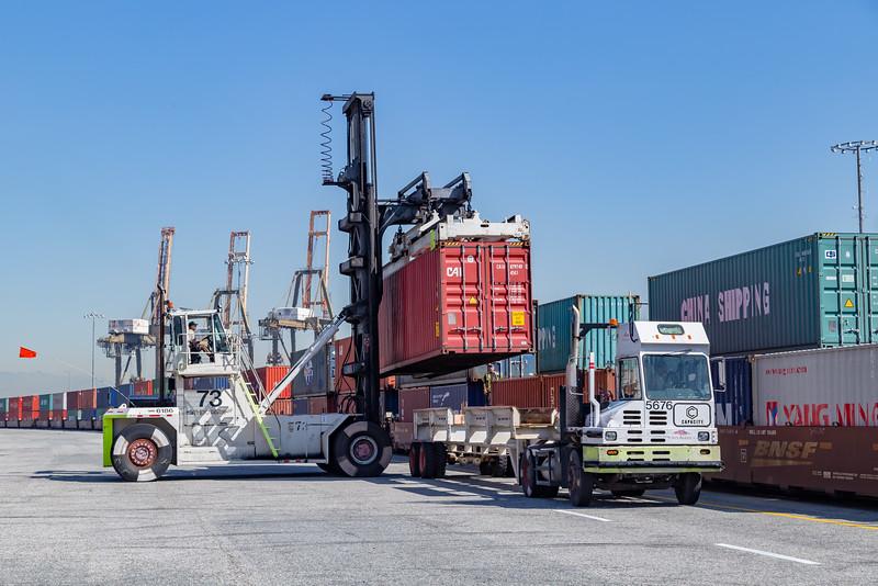 160225-rail-truck-loader-164