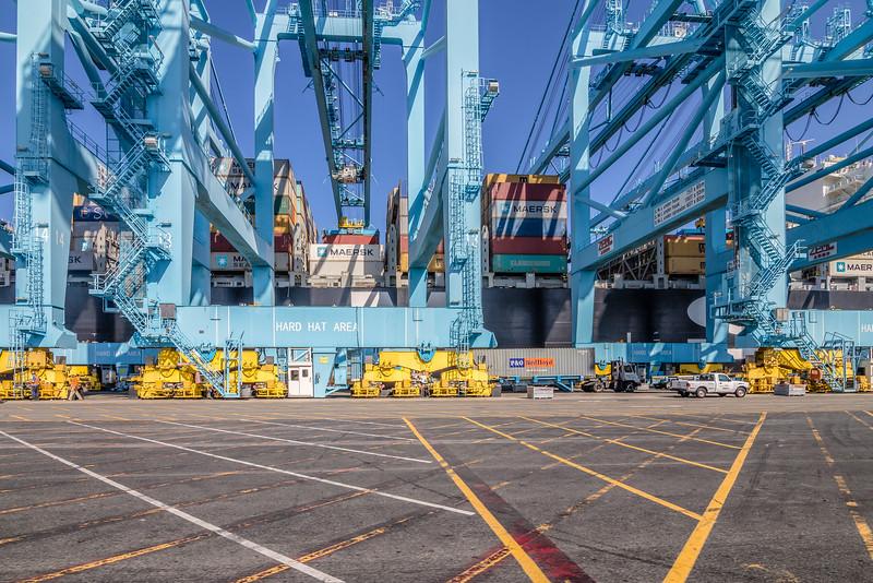160225-crane-ship-120