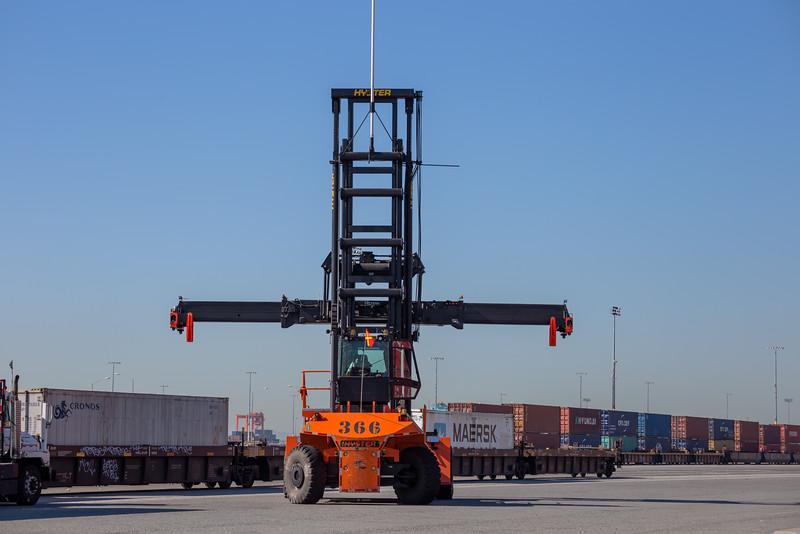 160225-loader-rail-083