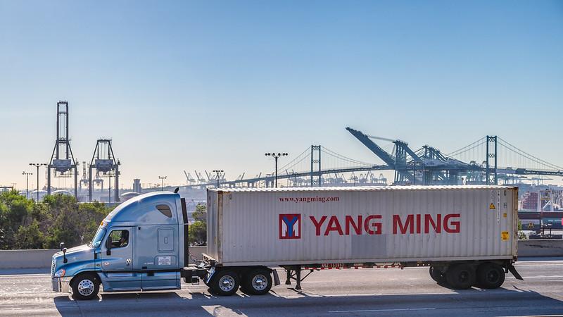 160217-YangMing-truck-001
