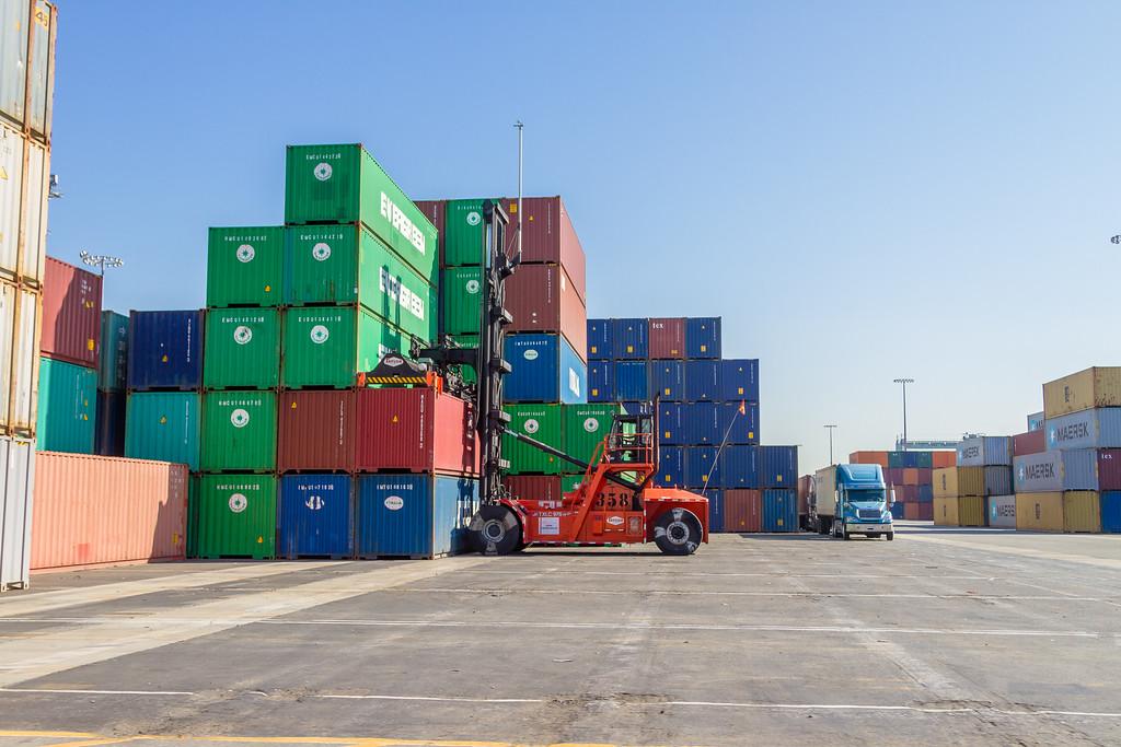 160225-loader-teu-truck-096