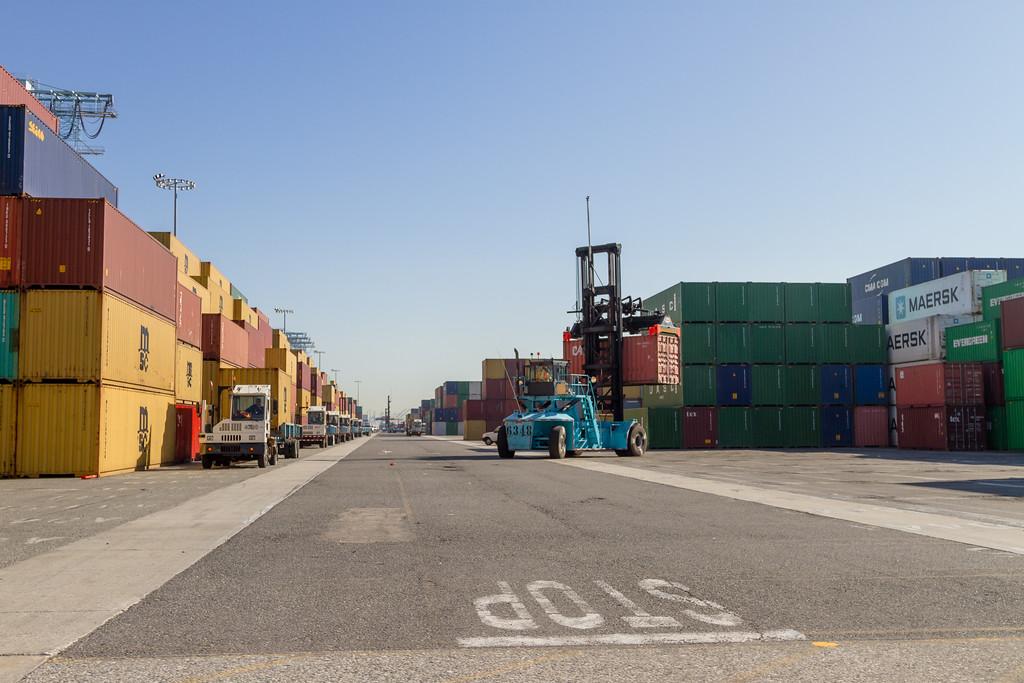 160225-loader-teu-truck-109