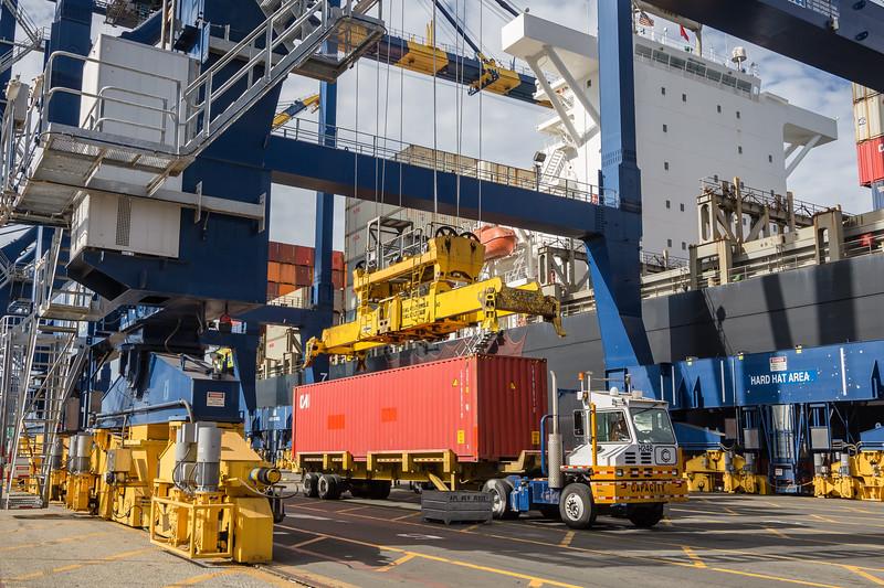 160217-crane-ship-Truck-TEU-025