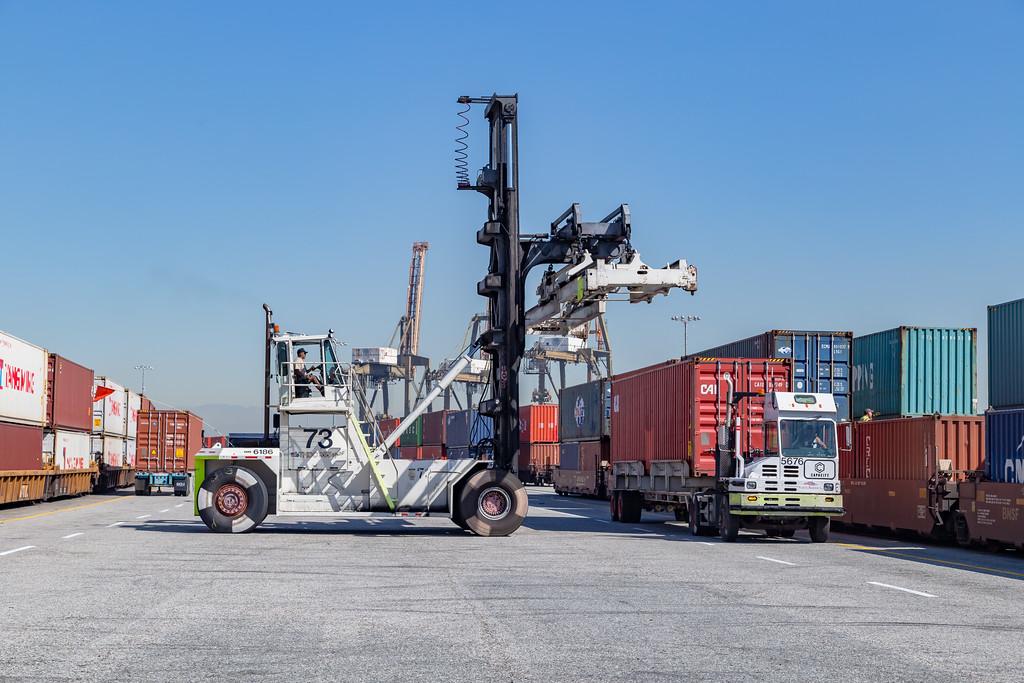 160225-rail-truck-loader-159