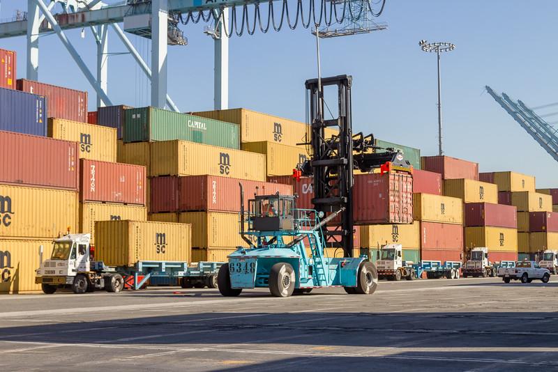 160225-loader-teu-truck-098