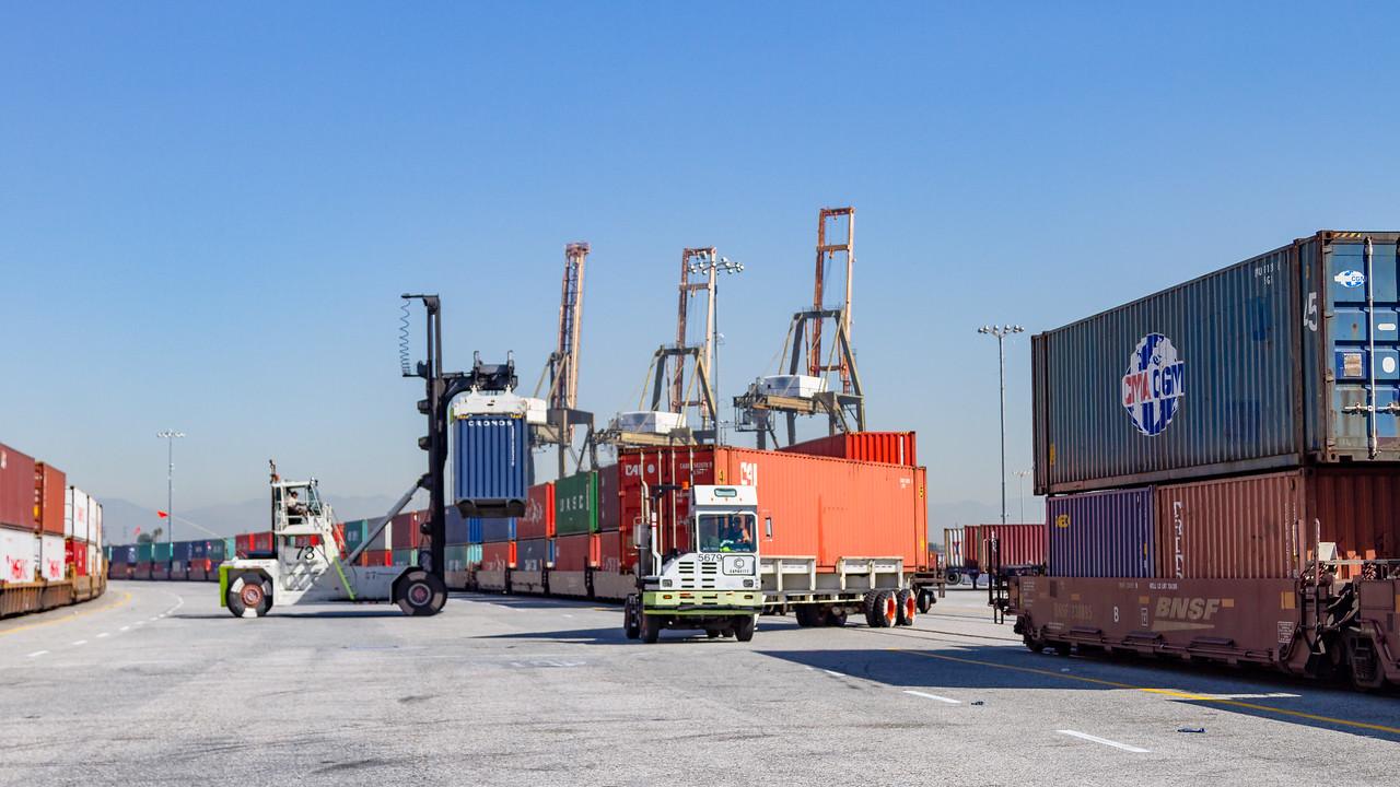 160225-rail-truck-loader-145