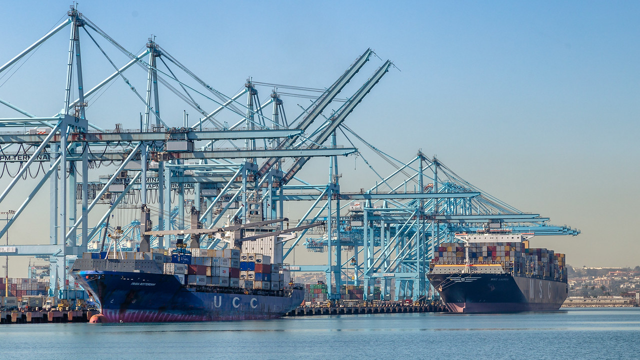 160225-ship-crane-137
